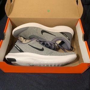 NWOT Unworn Nike Flex Experience RN 8